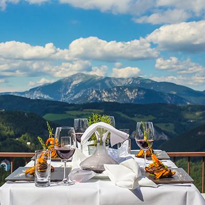 manger à la montagne en été montclar