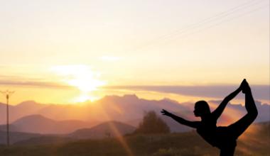 Reveil au sommet yoga Montclar les 2 vallées