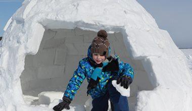 activité enfants construire igloo station ski montclar
