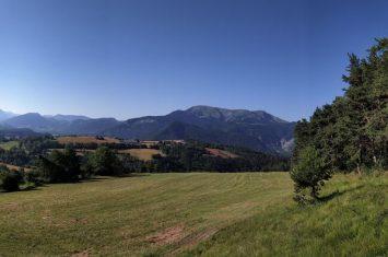 Vue sur Chabanon depuis le Col des Fillys